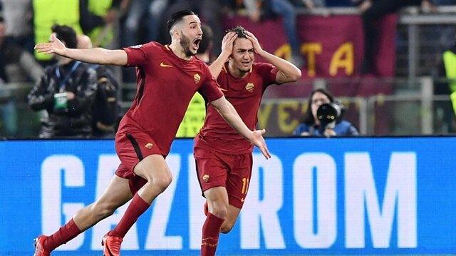 Cengiz Ünder ile Manolas'ın Barcelona maçında yaşadığı gol sevinci.