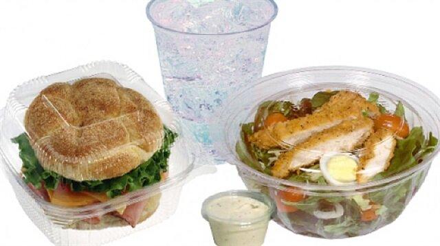 Plastik kaplarda kullanılan fitalat malzemesi özellikle sıcakla temas ettiğinde kanser yapıyor.