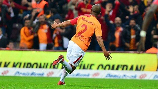 Süper Lig'de Galatasaray Başakşehir'i 2-0 yendi ve liderlik koltuğuna yükseldi.