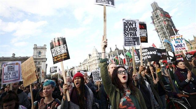 İngiltere'de Suriye operasyonu protesto edildi