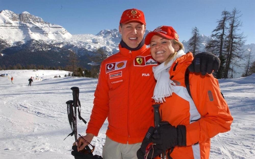 Corinna Schumacher eşi hakkında bilgi vermekten kaçınıyor.