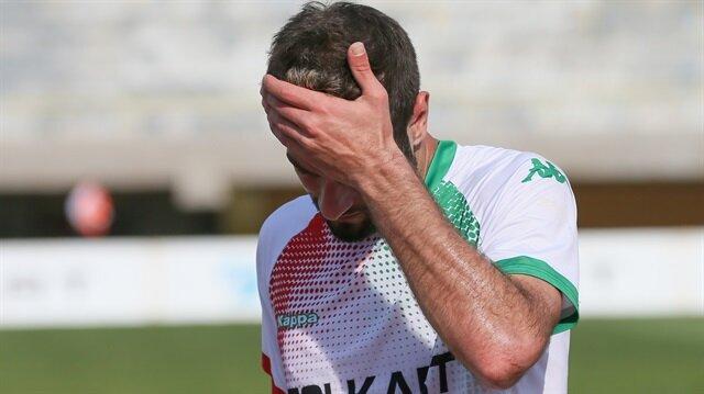 3. Lig'e düşen Karşıyaka'da futbolcular Karagümrük maçı sonrası gözyaşlarına hakim olamadı.