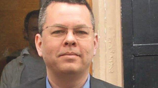 FETÖ'nün ABD'li papazı Andrew Craig Brunson ilk kez hakim karşısına çıktı.