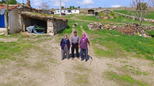 Avdan köyünde kışın 3 ve yazın 15 kişi ikamet ediyor.