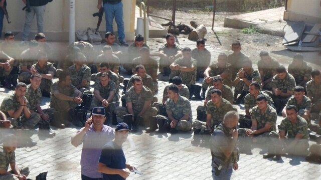 Darbe girişimi sırasında Silopi'deki askeri üstte görevli askerlere hapis cezası.