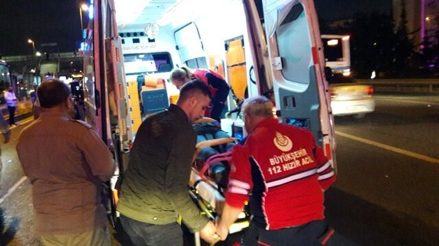 E-5 Çağlayan'da meydana gelen kazada 4 araç birbirine girdi, trafik durma noktasına geldi
