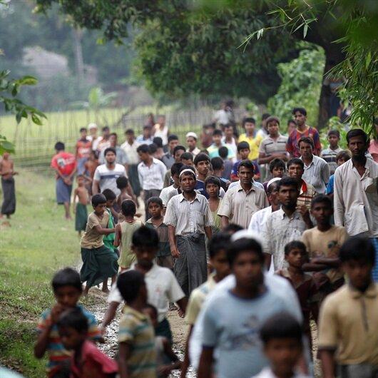 Myanmar Arakanlı Müslümanlara yardım ulaşmasını engelliyor
