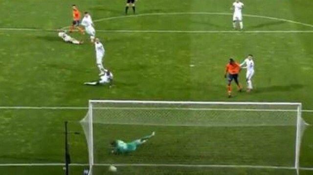 Arda Turan'ın golünde kaleci Lung sosyal medyada gündem oldu
