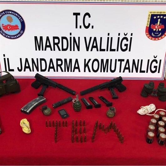 Mardin'de terör operasyonunda silah ve susturucular bulundu