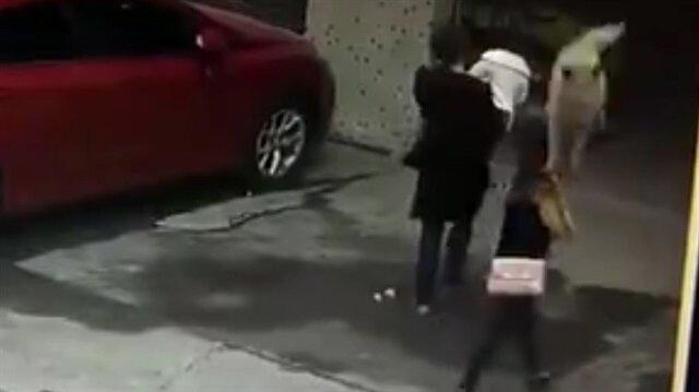 Görülmemiş kaza: Kafasına köpek düştü
