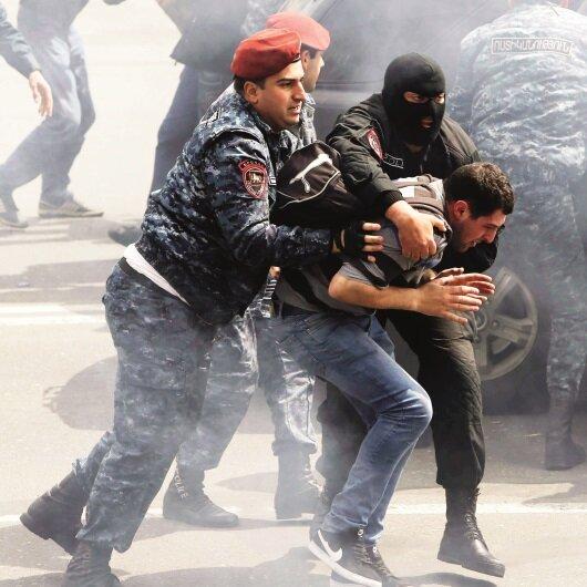 Ermenistan'da<br> ipler koptu