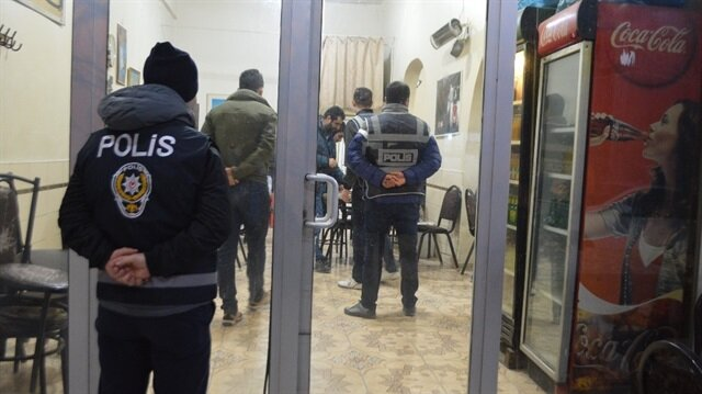 Mardin'de haklarında yakalama kararı bulunan 20 şahıs yakalandı.