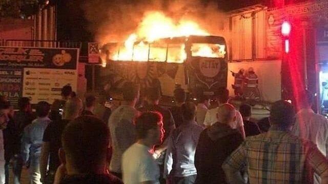 Takım otobüsü <br>alev alev yandı