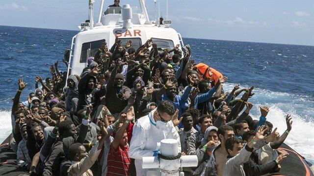 Libya'da 74 kaçak göçmen kurtarıldı