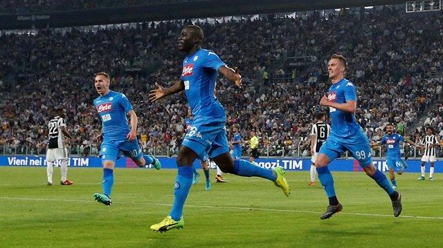 Napoli son dakika golüyle Juventus'u mağlup etti