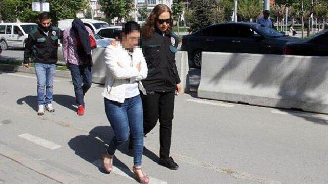 Bolu'da iflas eden kuyumcu karısıyla uyuşturucu kuryeliği yaparken yakalandı