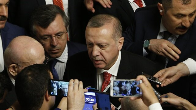 أردوغان ينتقد انضام نواب من
