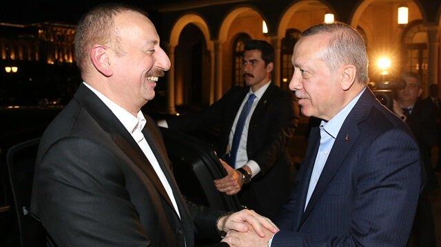رئيس أذربيجان يصل أنقرة في زيارة رسمية ويلتقي الرئيس أردوغان