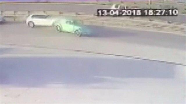 Trafik magandası makas atarken öndeki araca böyle çarptı