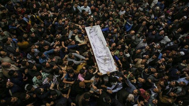 Suikasta uğrayan Filistinli bilim Gazze'de son yolculuğuna uğurlandı