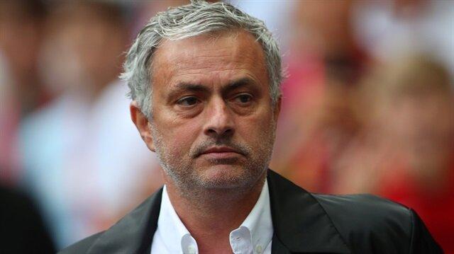 Mourinho: De Gea hiçbir yere gitmeyecek
