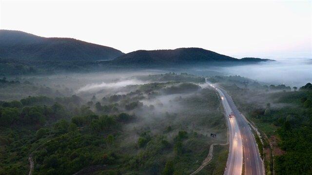 Batı Karadeniz'de oluşan yoğun sis, güzel görüntüler oluşturdu.
