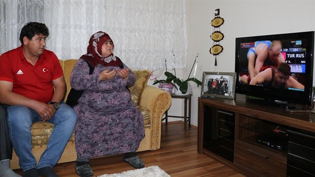 Rıza Kayaalp'in ailesi finali dualarla takip etti