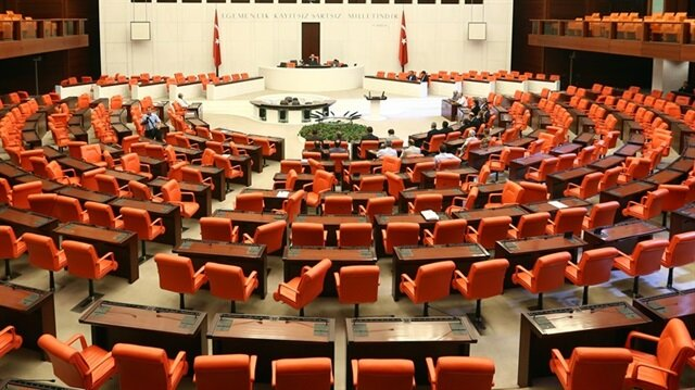 AK Parti'de 22 milletvekili yeniden aday olmadı