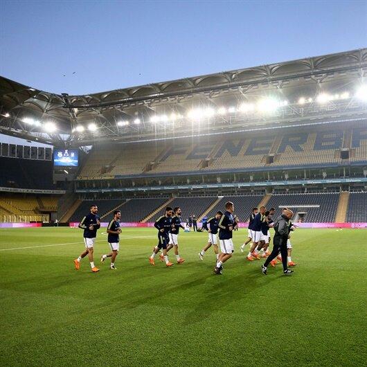 Fenerbahçe Kadıköy'de idman maçı yaptı