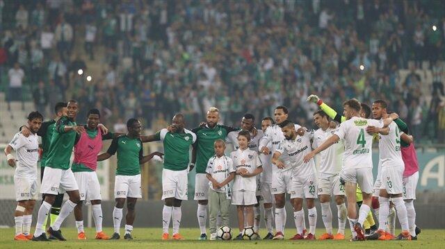 Bursaspor'da futbolcular kazan kaldırdı