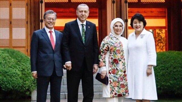 Cumhurbaşkanı Erdoğan, Asya turunun son durağında Güney Kore Devlet Başkanı Moon ile bir araya geldi.