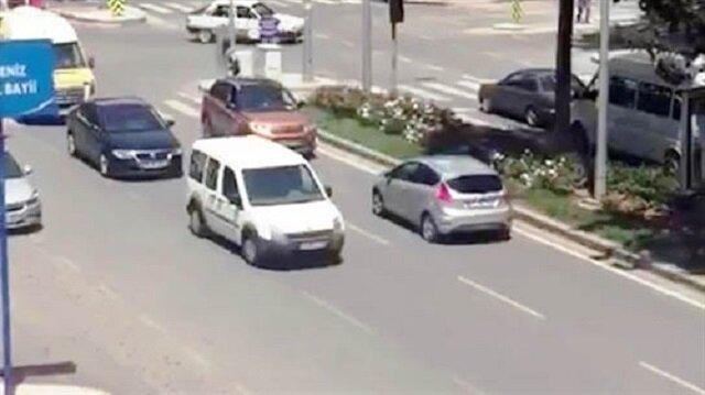 Otomobil cep telefonu kamerası tarafından görüntülendi.