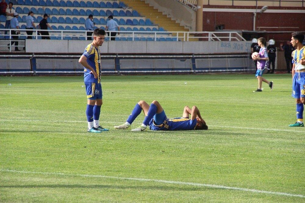Bucasporlu futbolcular küme düştükleri maçın ardından büyük üzüntü yaşadı.