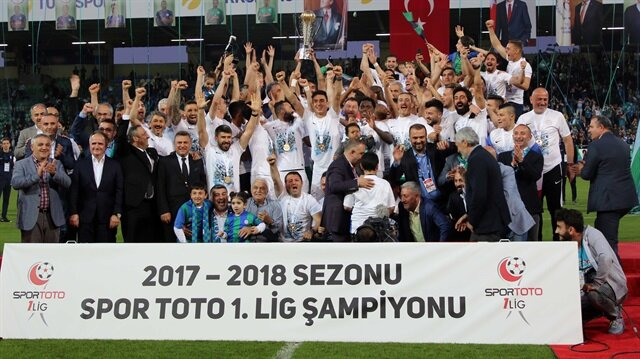 Rizespor'a şiveli kutlama