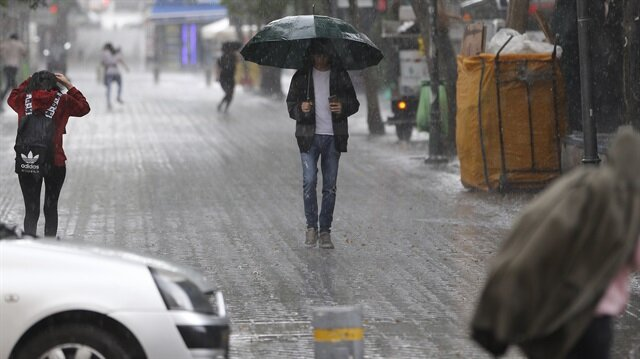 Meteorolojiden 'çok kuvvetli yağmur' uyarısı