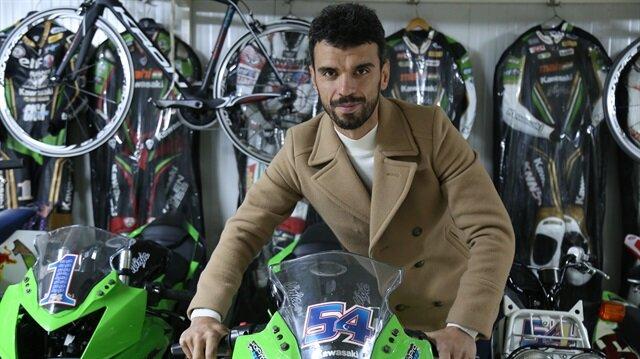 Milli motosikletçi Kenan Sofuoğlu kariyerini noktalama kararı aldı.