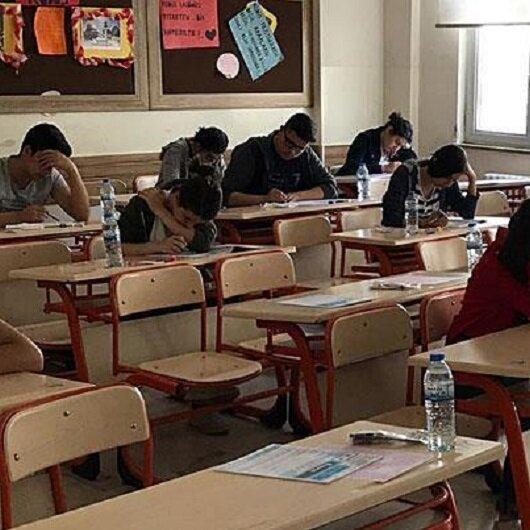 800 Syrians take university exam to study in Turkey