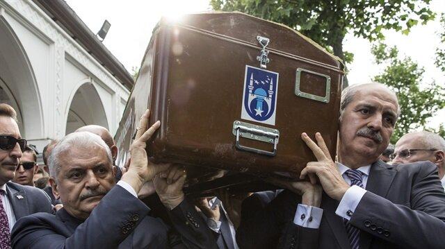 Eski Bakan Ayhan'ın cenaze namazı kılındı