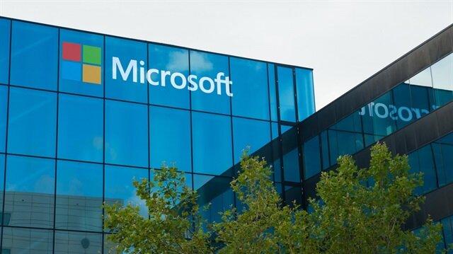 Microsoft 3 ekranlı akıllı telefon patenti aldı