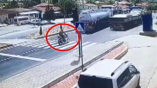 Motosikletli astsubayın hayatını kaybettiği kaza anı kamerada
