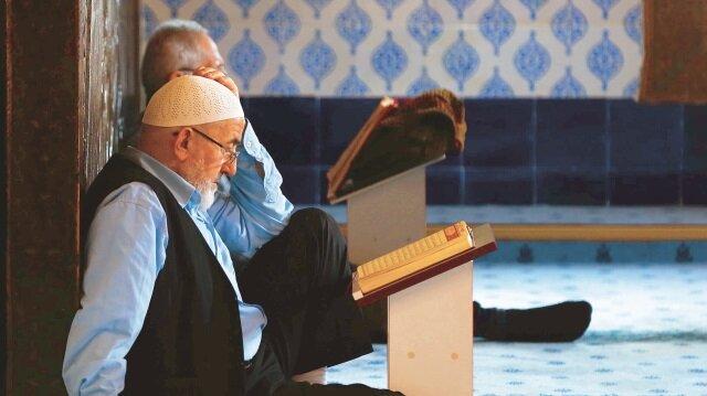 İstanbul Müftüsü Prof. Dr. Hasan Kamil Yılmaz, Ramazan'ın önemine ve Müslümanlar için ne anlama geldiğine dair açıklamalarda bulundu.