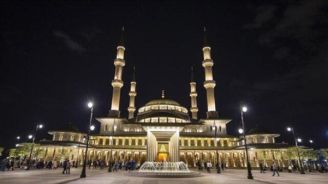 """  تركيا.. تراويح على طريقة """"أندرون"""" العثمانية في مسجد """"الأمة"""" بالمجمع الرئاسي"""