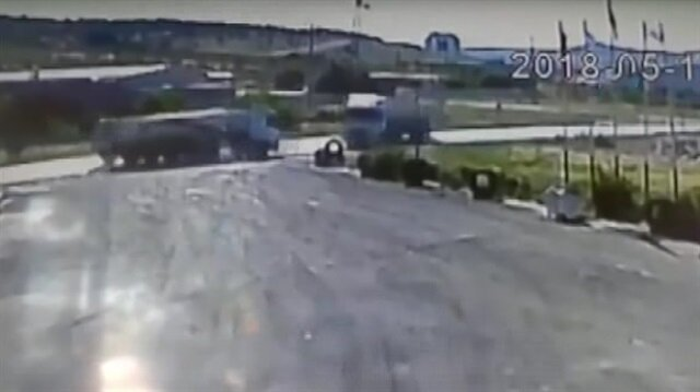 Feci kaza kamerada: Hafriyat TIR'ları kafa kafaya böyle çarpıştı