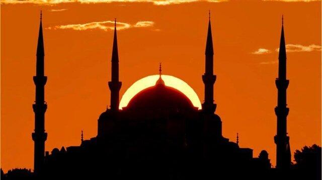 Eskişehir 2018 imsakiyesi belli oldu. Buna göre Eskişehir'de 17 Mayıs Perşembe akşamı iftar saat 20.14'te açılacak.
