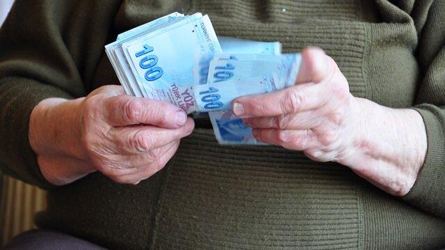 65 yaş aylığının tutarı 500 liradan 525 liraya, 3'er aylık dönemler halinde yaşlılara ödenecek tutar da bin 575 liraya yükselecek.