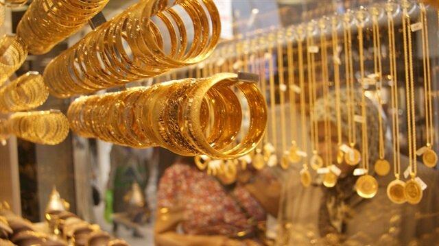 Dün dolar kurundaki dalgalanmaların etkisiyle 182,4-187,1 lira bandında dalgalı hareket eden altının gram fiyatı, günü önceki kapanışa göre yüzde 0,41 azalışla 183,2 liradan tamamladı.