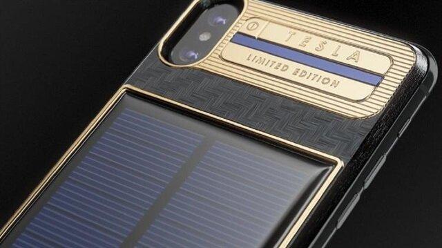 Cihaz ilk etapta 99 adet üretilecekti; ancak yoğun ilgi görünce iPhone X Tesla'dan 999 adet üretilme kararı verildi.