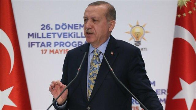 Cumhurbaşkanı Erdoğan, İngiltere'de terör örgütü PKK yandaşlarının hedefi haline gelen kadını arayarak teşekkür ettiğini kaydetti.