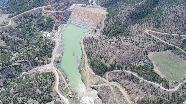 Dereboğazı Barajı 3 milyon 756 bin metreküp su biriktirme kapasitesine sahip.