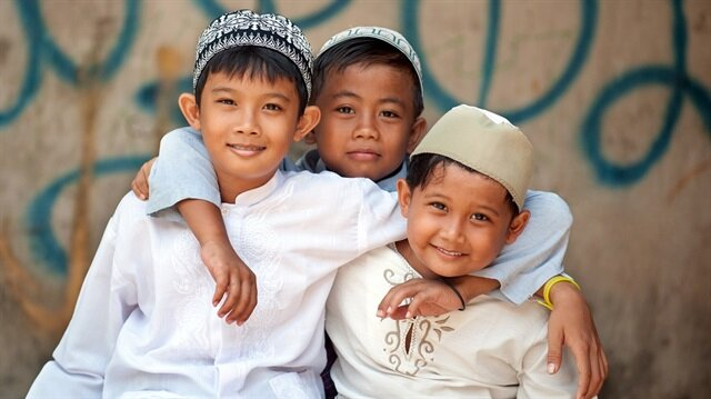 Ramazan ayında çocuklar da oruç tutmak ister.
